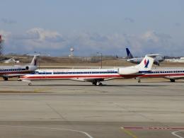 TA27さんが、オヘア国際空港で撮影したアメリカン・イーグル ERJ-145LRの航空フォト(飛行機 写真・画像)