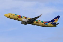 aki241012さんが、福岡空港で撮影したスカイマーク 737-8ALの航空フォト(飛行機 写真・画像)