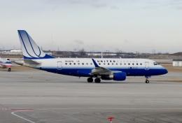 TA27さんが、オヘア国際空港で撮影したシャトル・アメリカ ERJ-170-100 SE (ERJ-170SE)の航空フォト(飛行機 写真・画像)
