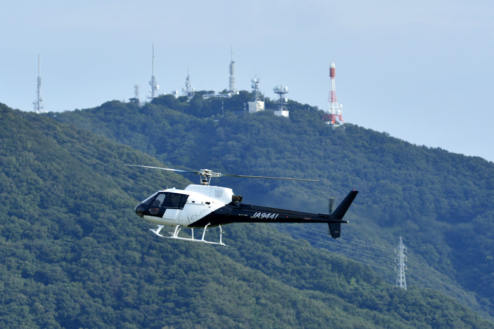 Gambardierさんの日本法人所有 Aerospatiale AS350 Ecureuil/AStar (JA9441) 航空フォト