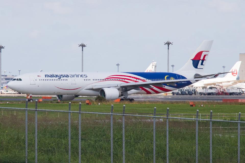 walker2000さんのマレーシア航空 Airbus A330-300 (9M-MTJ) 航空フォト