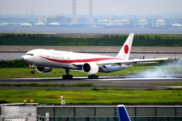 まいけるさんが、羽田空港で撮影した航空自衛隊 777-3SB/ERの航空フォト(飛行機 写真・画像)