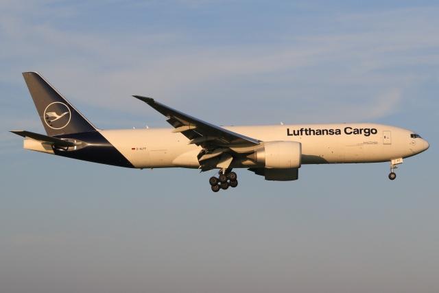 航空フォト:D-ALFF ルフトハンザ・カーゴ 777-200