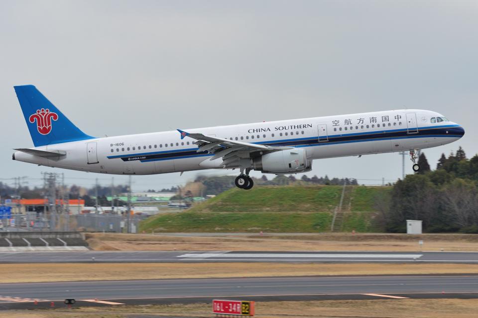 saoya_saodakeさんの中国南方航空 Airbus A321 (B-1606) 航空フォト