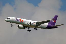 ちゃぽんさんが、成田国際空港で撮影したフェデックス・エクスプレス 757-236(SF)の航空フォト(飛行機 写真・画像)