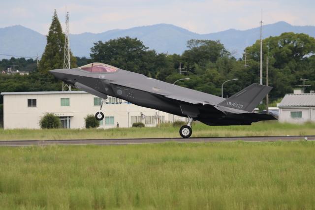 ☆ゆっきー☆さんが、名古屋飛行場で撮影した航空自衛隊 F-35 Lightning II mock-upの航空フォト(飛行機 写真・画像)