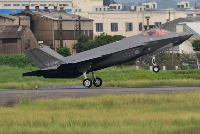 じょ~まんさんが、名古屋飛行場で撮影した航空自衛隊 F-35 Lightning IIの航空フォト(飛行機 写真・画像)