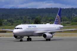 狛犬さんが、バンクーバー国際空港で撮影したユナイテッド航空 A320-232の航空フォト(飛行機 写真・画像)