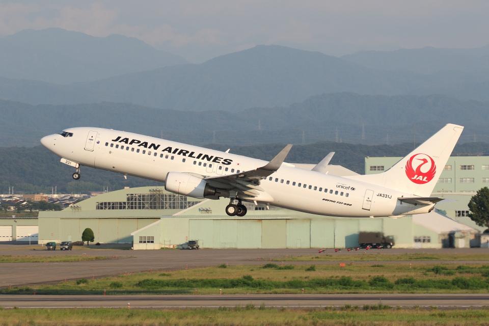 安芸あすかさんの日本航空 Boeing 737-800 (JA331J) 航空フォト