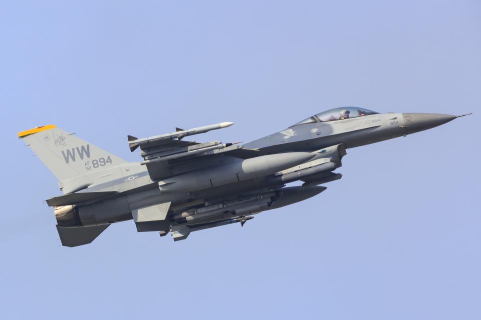 norimotoさんのアメリカ空軍 Lockheed F-16 Fighting Falcon (92-3894) 航空フォト