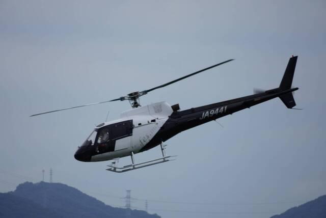 F.YUKIHIDEさんが、岡南飛行場で撮影した日本法人所有 AS350B Ecureuilの航空フォト(飛行機 写真・画像)