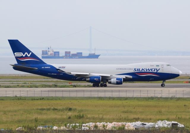 LOTUSさんが、関西国際空港で撮影したシルクウェイ・ウェスト・エアラインズ 747-4R7F/SCDの航空フォト(飛行機 写真・画像)