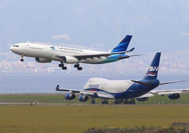 LOTUSさんが、関西国際空港で撮影したガルーダ・インドネシア航空 A330-343Xの航空フォト(飛行機 写真・画像)