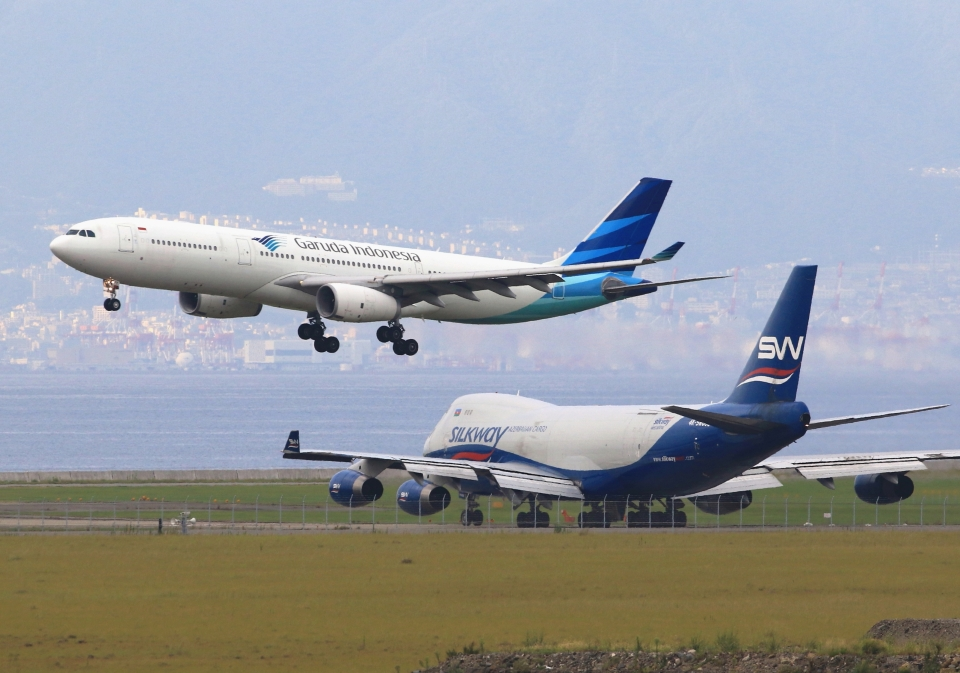 LOTUSさんのガルーダ・インドネシア航空 Airbus A330-300 (PK-GPY) 航空フォト