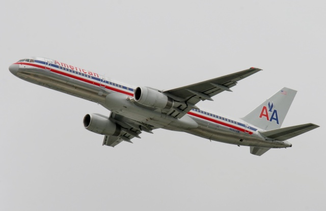 TA27さんが、ロサンゼルス国際空港で撮影したアメリカン航空 757-223の航空フォト(飛行機 写真・画像)