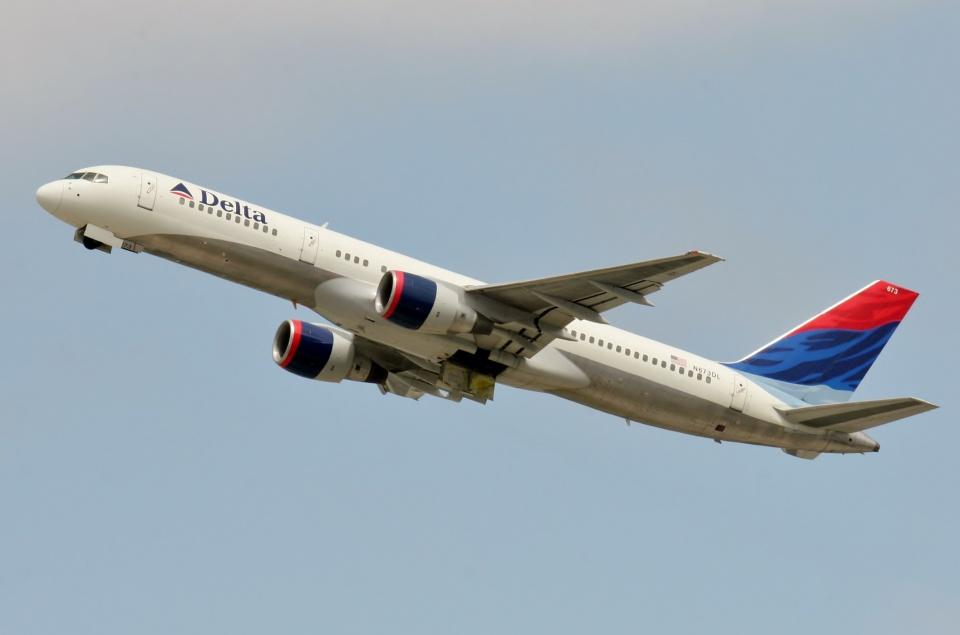 TA27さんのデルタ航空 Boeing 757-200 (N673DL) 航空フォト