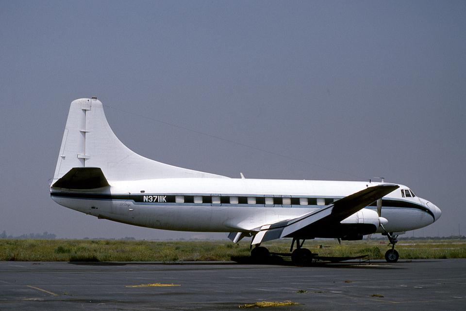 JAパイロットさんの不明 Martin 4-0-4 (N3711K) 航空フォト