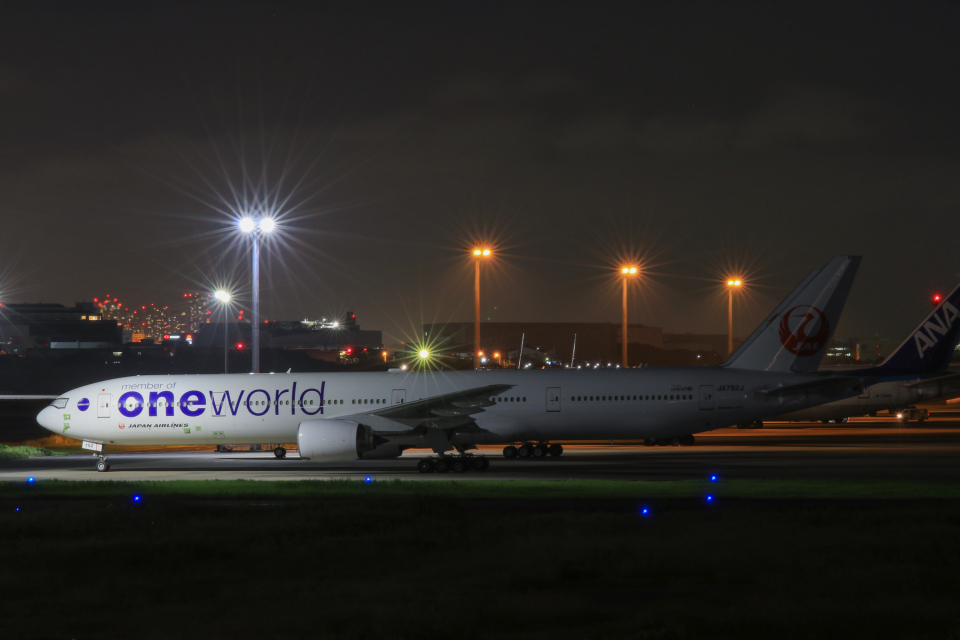 スカイチームKMJももこさんさんの日本航空 Boeing 777-300 (JA752J) 航空フォト