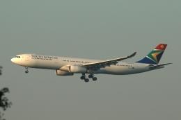 採れたてほしいもさんが、ロンドン・ヒースロー空港で撮影した南アフリカ航空 A330-343Xの航空フォト(飛行機 写真・画像)