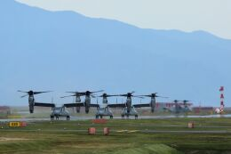 kazuchiyanさんが、岩国空港で撮影したアメリカ海兵隊 MV-22Bの航空フォト(飛行機 写真・画像)