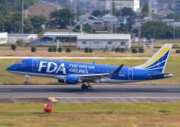 じーく。さんが、名古屋飛行場で撮影したフジドリームエアラインズ ERJ-170-200 (ERJ-175STD)の航空フォト(飛行機 写真・画像)
