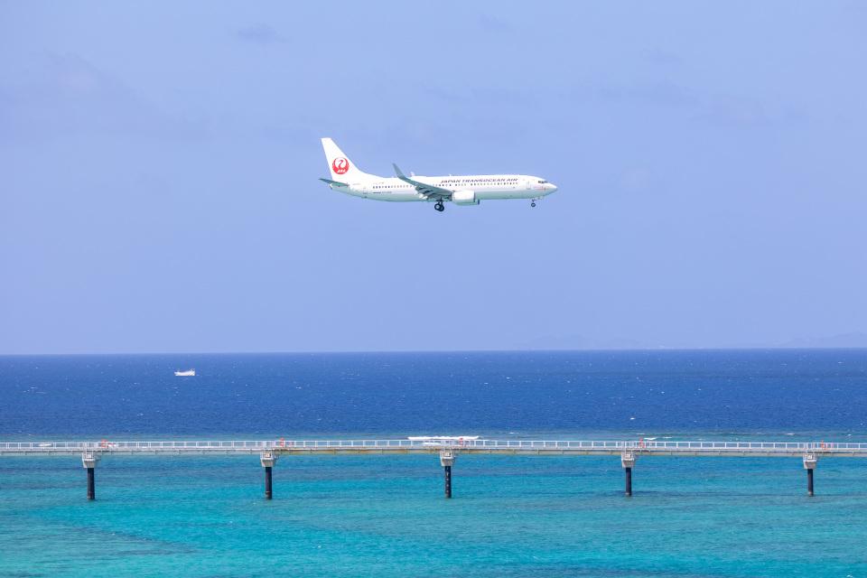 チャッピー・シミズさんの日本トランスオーシャン航空 Boeing 737-800 (JA10RK) 航空フォト