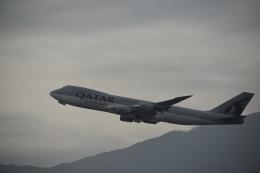 hachiさんが、香港国際空港で撮影したカタール航空カーゴ 747-8DZFの航空フォト(飛行機 写真・画像)