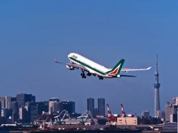 Hiro Satoさんが、羽田空港で撮影したアリタリア航空 A330-202の航空フォト(飛行機 写真・画像)
