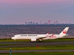 Hiro Satoさんが、羽田空港で撮影した日本航空 A350-941の航空フォト(飛行機 写真・画像)