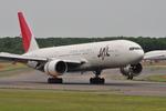 こにたんさんが、新千歳空港で撮影した日本航空 777-246の航空フォト(写真)