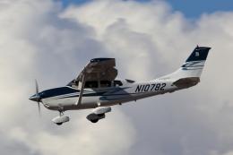 キャスバルさんが、フェニックス・スカイハーバー国際空港で撮影したアメリカ個人所有 T206H Turbo Stationairの航空フォト(飛行機 写真・画像)