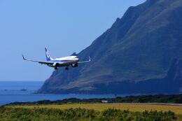 まいけるさんが、八丈島空港で撮影した全日空 737-881の航空フォト(飛行機 写真・画像)
