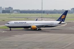 NIKEさんが、アムステルダム・スキポール国際空港で撮影したアイスランド航空 767-319/ERの航空フォト(飛行機 写真・画像)
