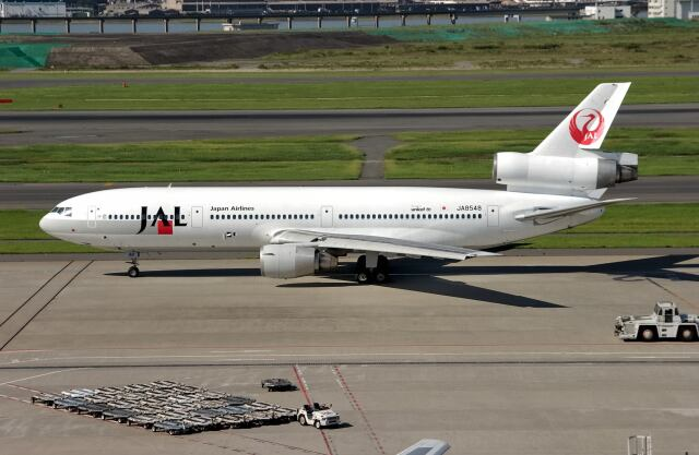 2001年09月23日に撮影されたJAL (日本航空)の航空機写真