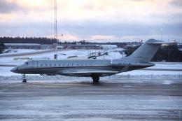 狛犬さんが、ストックホルム・アーランダ空港で撮影したビスタジェット BD-700-1A10 Global 6000の航空フォト(飛行機 写真・画像)