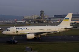 狛犬さんが、チューリッヒ空港で撮影したウクライナ政府 A319-115CJの航空フォト(飛行機 写真・画像)