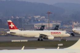 狛犬さんが、チューリッヒ空港で撮影したスイスインターナショナルエアラインズ A320-214の航空フォト(飛行機 写真・画像)