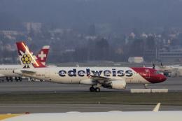 狛犬さんが、チューリッヒ空港で撮影したエーデルワイス航空 A320-214の航空フォト(飛行機 写真・画像)