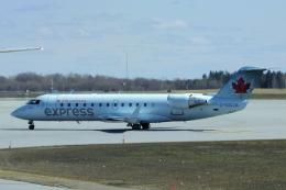 狛犬さんが、オタワ・マクドナルド・カルティエ国際空港で撮影したエア・カナダ・エクスプレス CL-600-2B19(CRJ-200ER)の航空フォト(飛行機 写真・画像)