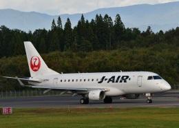 くつおばけくんさんが、秋田空港で撮影したジェイエア ERJ-170-100 (ERJ-170STD)の航空フォト(飛行機 写真・画像)