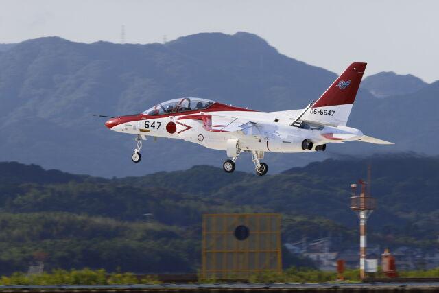 mocohide☆さんが、築城基地で撮影した航空自衛隊 T-4の航空フォト(飛行機 写真・画像)