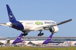 S.Hayashiさんが、成田国際空港で撮影したルフトハンザ・カーゴ 777-Fの航空フォト(飛行機 写真・画像)