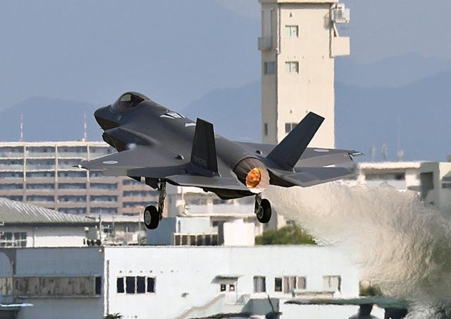 鈴鹿@風さんが、名古屋飛行場で撮影した三菱重工業 F-35A Lightning IIの航空フォト(飛行機 写真・画像)