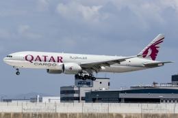 Ariesさんが、関西国際空港で撮影したカタール航空カーゴ 777-FDZの航空フォト(飛行機 写真・画像)