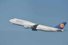 小弦さんが、サンフランシスコ国際空港で撮影したルフトハンザドイツ航空 747-830の航空フォト(飛行機 写真・画像)
