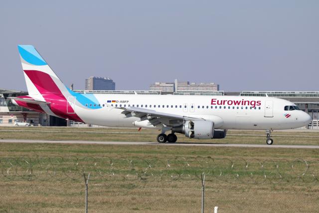 2017年03月26日に撮影されたユーロウイングスの航空機写真
