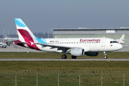 chrisshoさんが、シュトゥットガルト空港で撮影したユーロウイングス A319-112の航空フォト(飛行機 写真・画像)