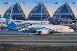 doncyanさんが、スワンナプーム国際空港で撮影したオマーン航空 787-8 Dreamlinerの航空フォト(飛行機 写真・画像)