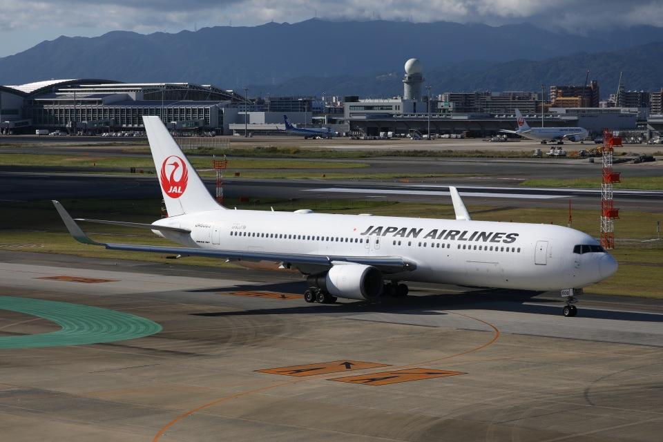 えむでぃ〜さんの日本航空 Boeing 767-300 (JA606J) 航空フォト