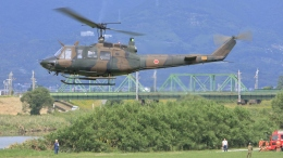 航空見聞録さんが、佐賀市嘉瀬川河川敷で撮影した陸上自衛隊 UH-1Jの航空フォト(飛行機 写真・画像)